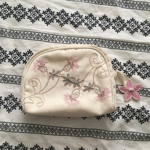 VINTAGE Floral Embroidered Cosmetics Bag w/ Charm